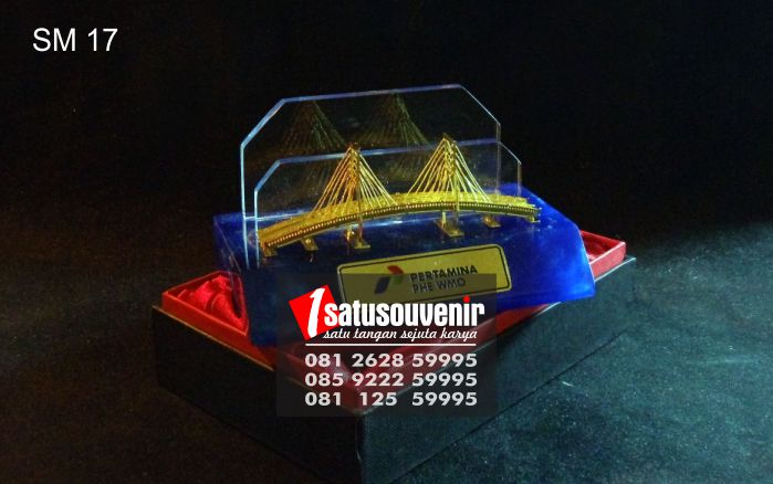 Souvenir Miniatur Jembatan Pertamina PHE WMO | Jual ...